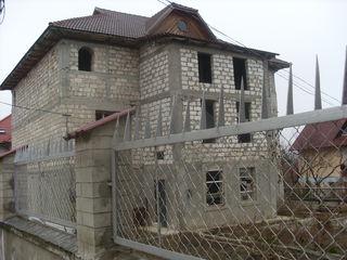 Vind casa la intrare in Ialoveni