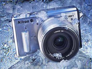 Nikon 1 AW1 + 1 Nikkor AW 11-27.5MM SL