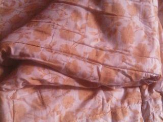 одеяло,новая скатерть на стол...