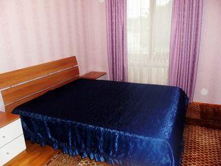 Casa in chirie la buiucani, Str. Belinschi-- 300 euro, reparatie recenta,curte