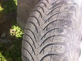 R16 225/55 2 Michelin 2 Uniriyal