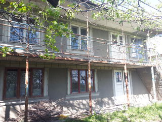 Casa la 1,5 km de la Peresecina, vizavi Codrii Orheiului