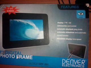 Фоторамка цифровая в упаковке ,,Denver''  .Digital foto frame