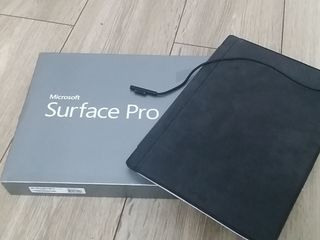 Microsoft Surface Pro 3, i7-4650U, SSD 256Gb, 8GB RAM, 2k display de 12 inci