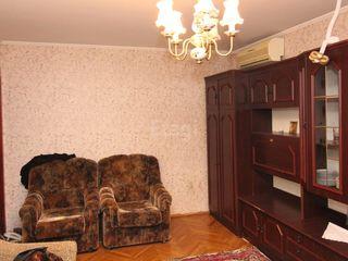 "Продам 2-комнатную Скулянка. Парк ""Ла Извор"""