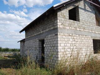 Se vinde casă, Budești
