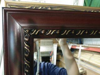 Oglinda in rama de lemn, noua. Зеркало новое
