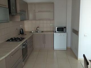 Chirie, apartament cu 3 odăi