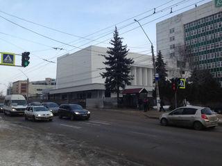 Сдаются помещения в аренду под ресторан, супер-маркет, банк, аптека и т.д. Бельцы, центр.