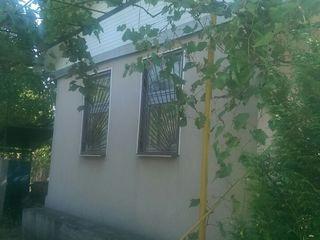Продаётся дача в с.Кошерница, не далеко от Днестра (15 мин ). Участок 6 соток .