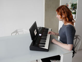 Roland go:piano    bluetooth 4.2