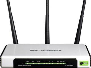 Wi-Fi рутер TP-Link TL-WR1043ND в отличном состоянии.