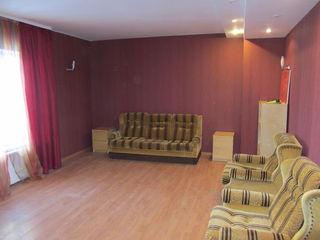Сдаю 5-и комн. квартиру 220кв.м. на 3-ем и 4-ом этаже(в двух уровнях), в новом доме на Ботанике