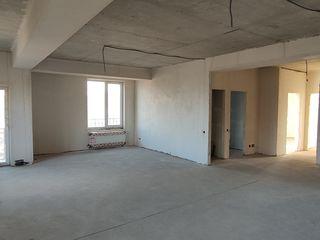Devînzare apartament cu 2 dormitoare + salon