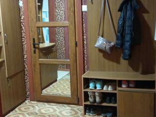 Urgent!!! Apartament cu 2 odai + loc de casa in or.Falesti