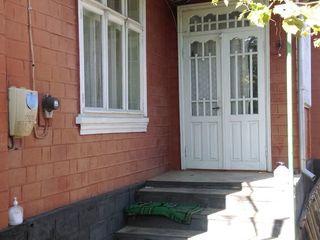 Продам 2 дома во дворе