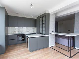 Penthouse reparat cu terasa spre park 3 dormitoare+living