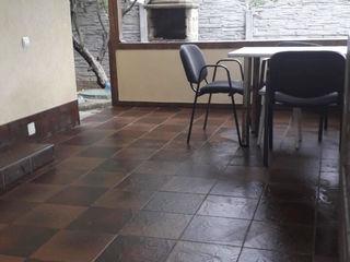Casa in chirie. 2 etaje, 4 camere 120€/ Сдаю дом посуточно / 120 € (Пн-Чт 100€) бассейн для детей