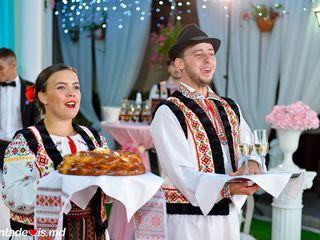 Dansatori pentru diverse ceremonii (nunti, cumatrii, zile de nasteri) !!!