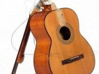 куплю разбитые гитары от 150 лей