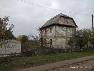 Незавершённый дом в Унгень на 5.9ти сотках