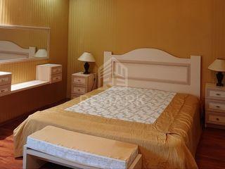 Chirie , Apartament cu 2 odăi, Botanica,  str. Teilor,  400  €