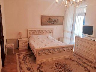 Apartament de elită, str. M. Varlaam, 5 camere separate!
