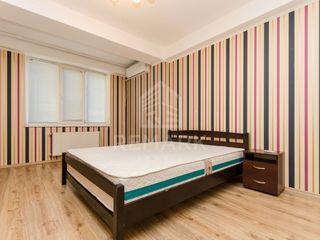 Vanzare  Apartament cu 2 camere, Botanica , str. Cuza Vodă  49900  €