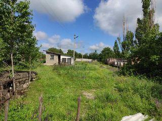 Продается территория бывшей заправочной станции площадью в 30 соток , окраина города Рышканы. На уча