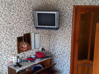 Vînd apartament cu 2 camere in raionul straseni