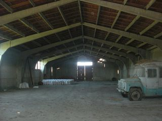 Depozit 1000 m2 pe traseul Chisinau-Ungheni
