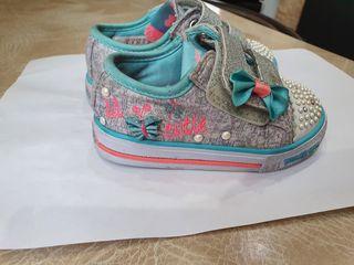 Кроссовки для девочки Skechers(14см по стельке)