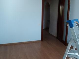 Apartament cu 3 odăi.