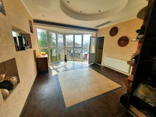 Casa cu 2 nivele+ mansarda, lot pomicol, or. Codru