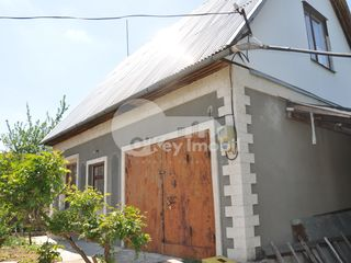 Casa cu 2 nivele, Sângera, 100 mp, 19500 € !