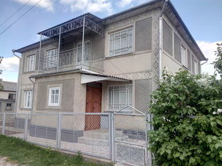 Продается 2-х этажный дом в г. Дондушень