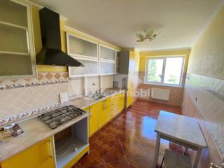Apartament  3 camere, 90 mp, Ciocana 300 €