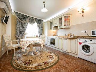 Apartament 2 dormitoare Lev Tolstoi 24/1       Посуточно две спальни