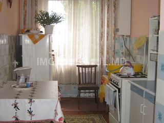 Продам 3 комнатную квартиру на Спирина