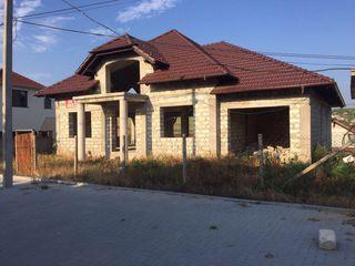 Se vinde casa nou construita in Ialoveni-Livada