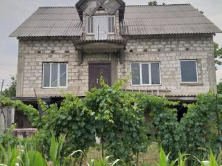 недострой дом/дача сату кондрица центр, на участке 25 соток