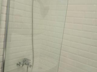 Instalarea blocului sanitar, podea caldă, teracotă în baie, cabine de duș și altele