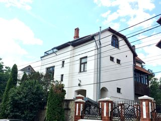 Срочно продам дом в элитном районе Телецентра.7,2 сотки. 350 кв.м.