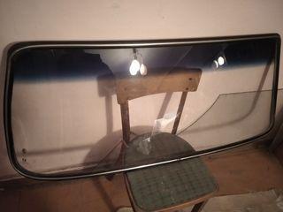 Продам лобовое стекло на ваз 2106