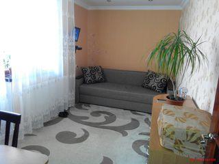 Se vinde apartament cu doua odai in suburbia Chisinaului (Floreni, linga Singera)