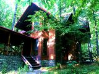 Casa in codri, zona ecologica, doua nivele, euro reparatie, situata in Condrita!