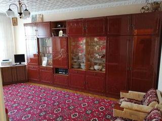 Apartament cu 3 odai in centrul  or.Drochia,str.Independentei nr. 47/A