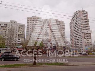 Botanica, bd. Dacia, 4 odăi, 100 m2. Euroreaparție + 2 debarale a cîte 14 m2 bonus! Super ofertă!