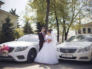 Mercedes-Benz albe/negre (белые/черные)