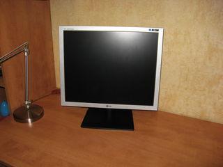 Монитор LG L1919S